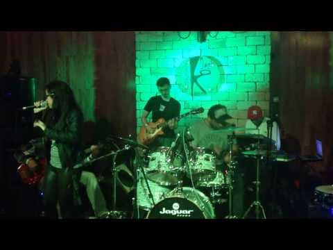 Put Your Records On - (Cover By Reles Reliquias) Anne Marie
