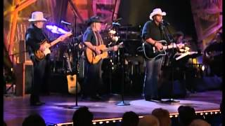 Willie Nelson, Toby Keith   Merle Haggard   Pancho and Lefty   YouTube
