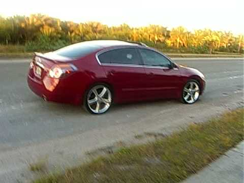 2008 Nissan Altima on 20 inch kv5 | Doovi