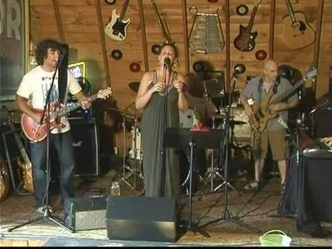 Dirty Dog Live Music ~The Pickup Band
