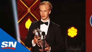 Elias Pettersson Wins Calder Trophy As Rookie Of The Year