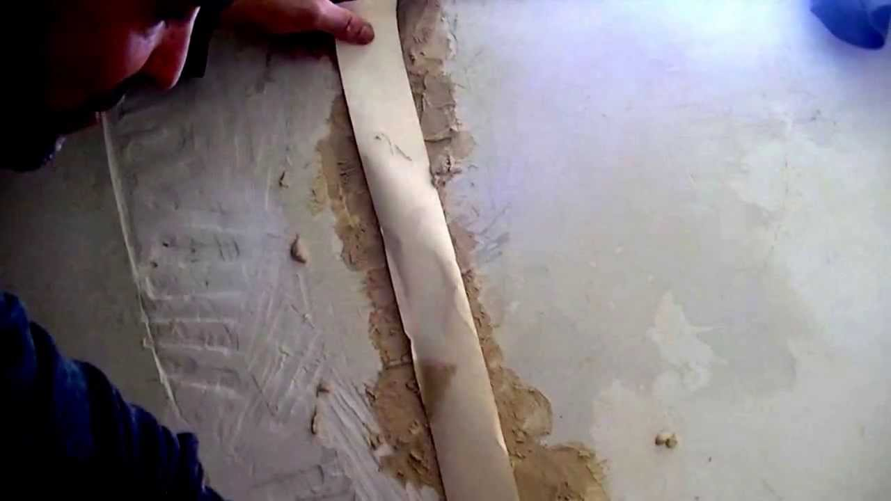 Réparer Un Plafond En Platre en ce qui concerne réparer un mur en placolâtre et carreaux de plâtre - youtube