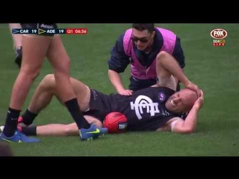 Chris Judd suffers knee injury - AFL