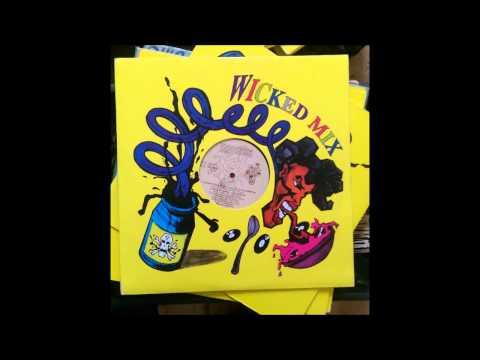 Violator feat  Q Tip - Vivrant Thing  -  Wicked Mix