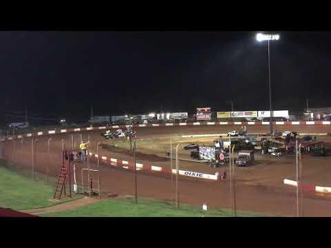 Sprint heat race at Dixie Speedway