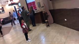 Zary y su primera vez en el cine