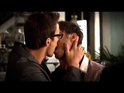 Kisses between Cheeks and Brady