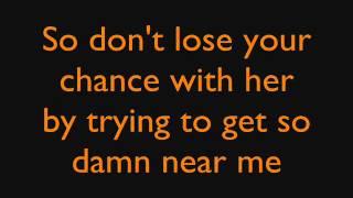 Hilary Duff - Between You & Me - Lyrics