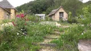 コッツウォルズのような はちみつ色のガーデンコテージがイギリス村ドゥ...