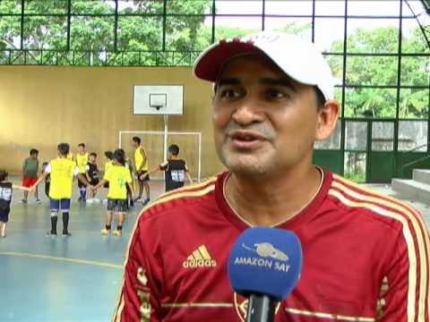 Escola da zona oeste de Manaus ensina os fundamentos básicos do futsal 3872858b99cd7