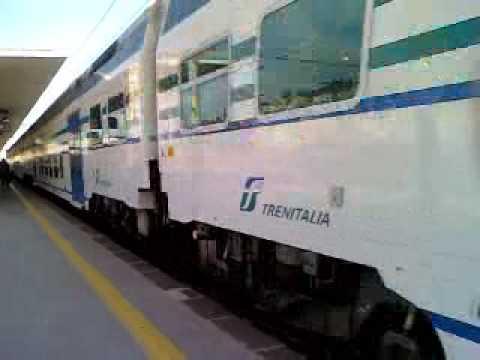 Treno Regionale 2431 In Arrivo A Salerno - YouTube