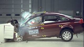 1999 Audi A6 moderate overlap IIHS crash test