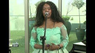 "Zahara Performs ""Ndiveze"" (Show Me)"