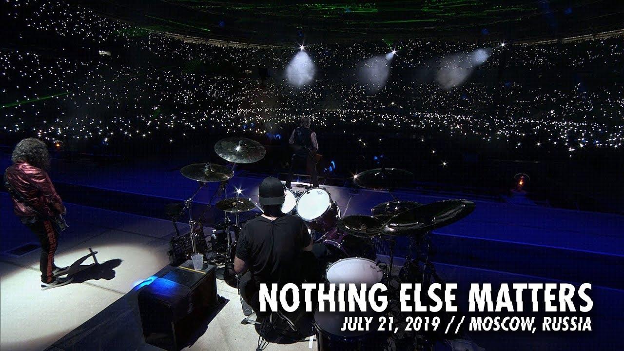 """Resultado de imagem para Confira clipe ao vivo de """"Nothing Else Matters"""", do Metallica"""
