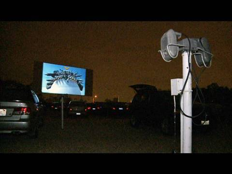 Visiting one of Chicagoland's last drive-ins