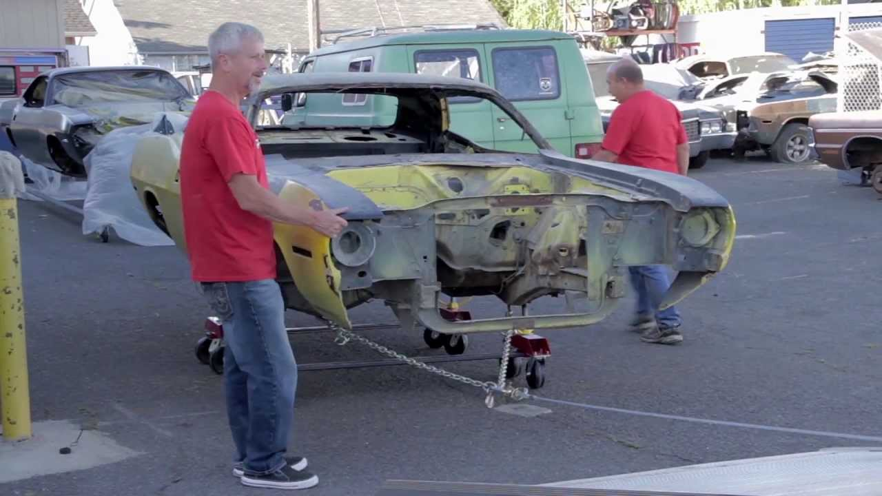 Velocity Tv Channel >> Uni-Dolly car dollies on the set of Graveyard Carz - YouTube