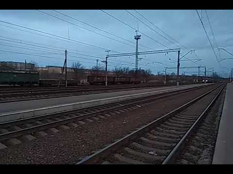 Электропоезд ЭР2Р-7072 сообщением #6446 Лиман-Харьков Левада прибывает на станцию Изюм