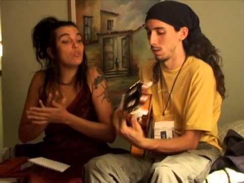 Ojos De Brujo - Girando Compás (Documental 2005)