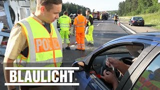 Rettungsgasse blockiert - Gaffer kriegen Anzeige von Polizei