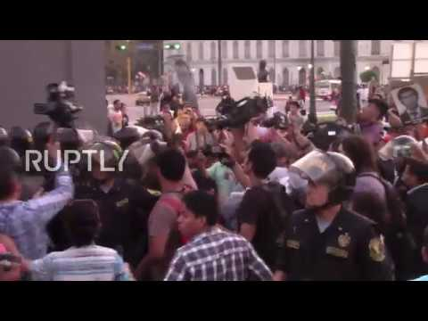 Peru: Tear gas deployed amid protests against Fujimori's pardon