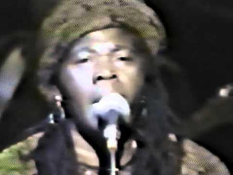 CEDELLA MARLEY BOOKER - Ao VIVO-1984 -Redemption Song-Reggae JAMAICA