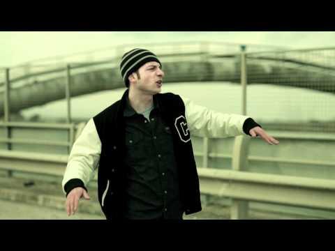 Rapstar (Fibra/Clementino). La Luce. Video ufficiale.