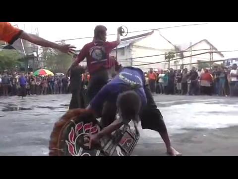 "Traditional art from Indonesia ""Singo Putro Joyo"" live @PG-Krebet, Malang 6-5-2017"