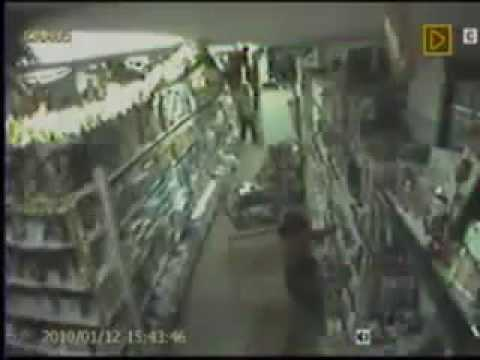 Haiti earthquake - Live Cam in Palmera Market (12/01/2010)