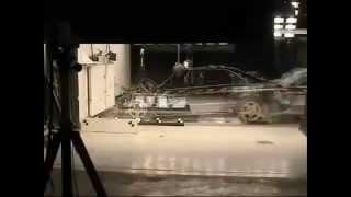 Audi A8 Crash test(Автомобильный видео тест драйв и краш тесты, обзоры новинок автопрома, тюнинг видео, ремонт машин различных..., 2014-05-06T18:27:54.000Z)