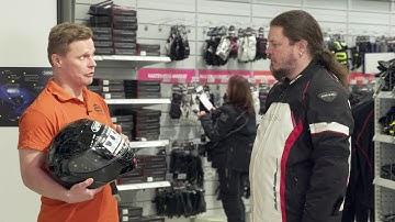 Eurobiker on moottoripyörävarusteiden erikoisliike Vantaan Retailparkissa.
