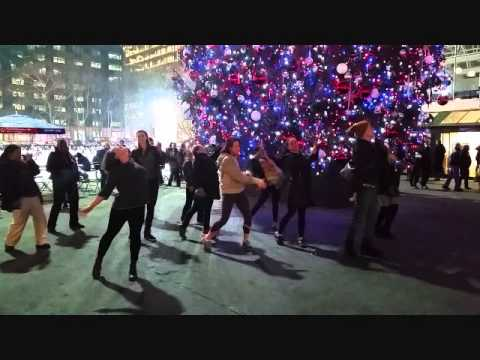 Navy Sailor Proposes with Marry You Flashmob!