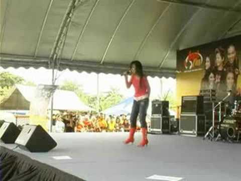 Hot FM : Sheila Abdul - Mungkinkah