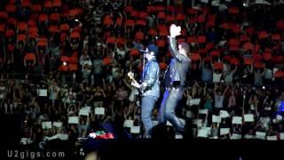 u2 rome 2010 10 08 i still haven t found what i m looking for w fan choreography u2gigs com