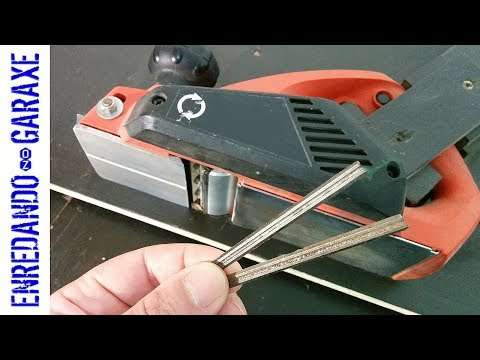How to change the knives of a hand held planer