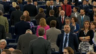 Farage and eurosceptics turn their backs on European anthem at Parliament