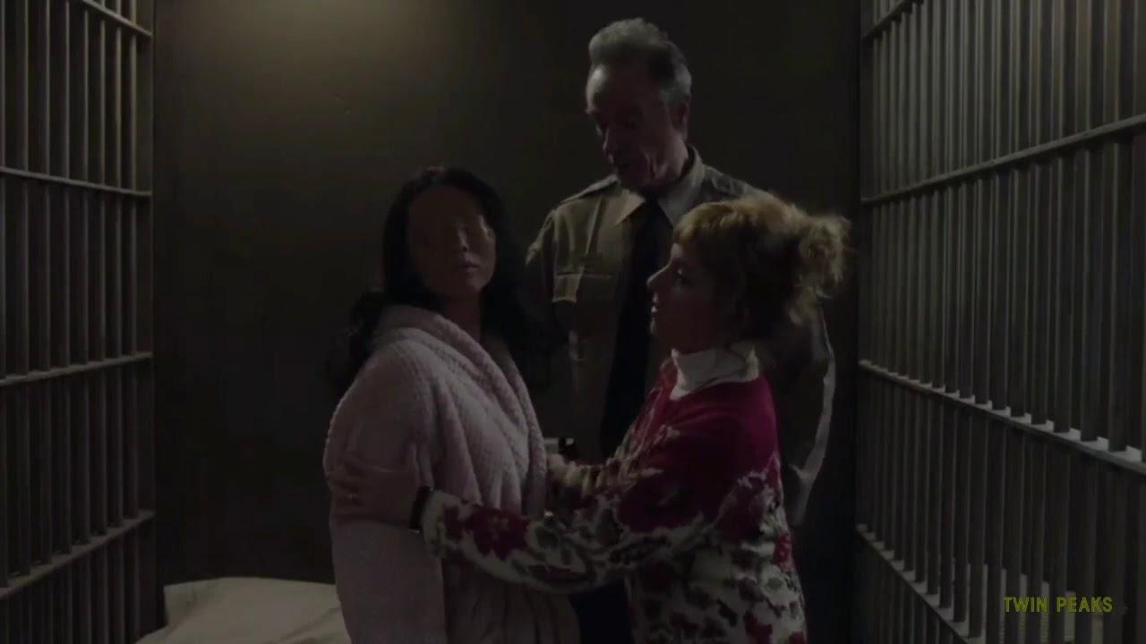 Download Pajama scene Twin Peaks Season 3 Episode 14 (Lucy Brennan, Andy Brennan, An Eyeless Woman)
