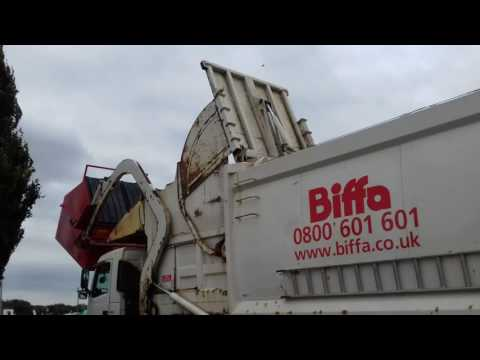 Biffa waste services British front loader (2 of 4)