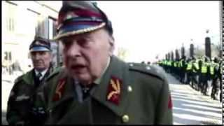 EU-Politik. Waffen-SS Veteranen marschieren durch Riga.