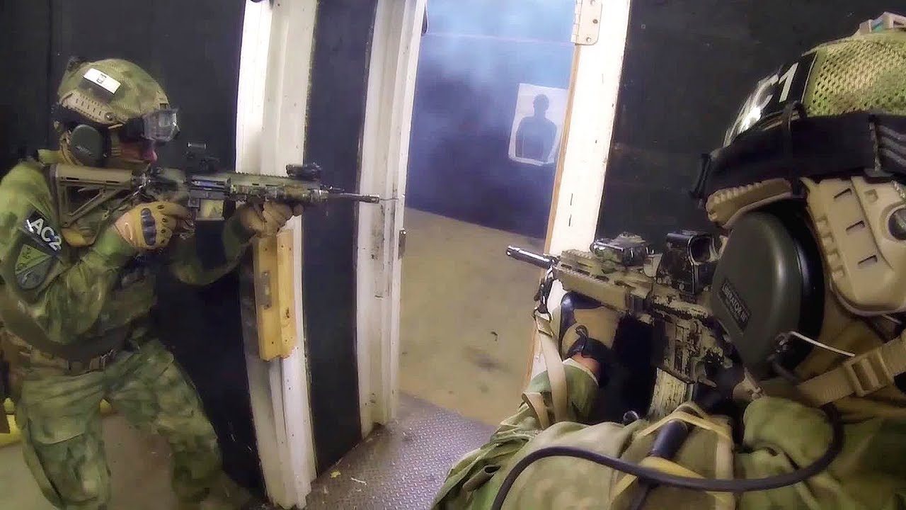 U S  Army & Polish Special Forces - Kill House Exercise