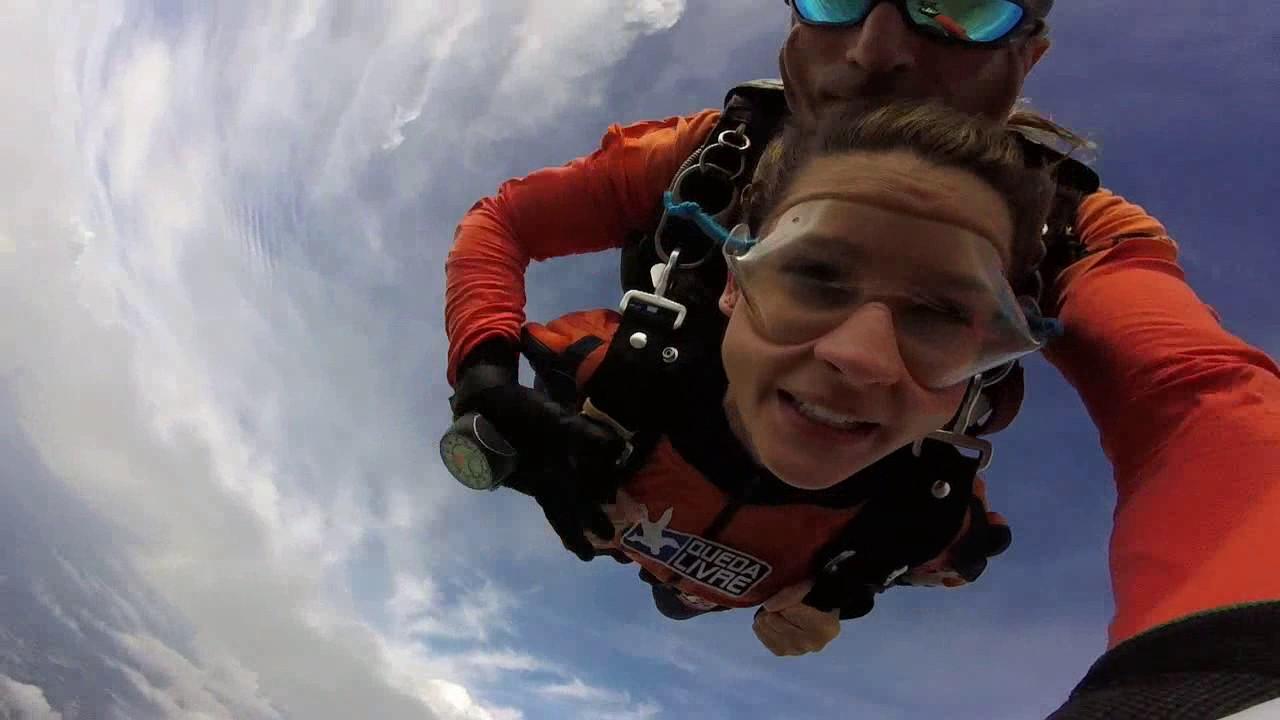 Salto de Paraquedas da Pamela G na Queda Livre Paraquedismo 28 01 2017