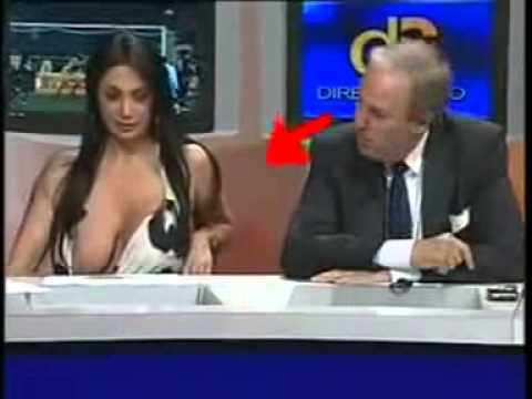 Hot TV Anchor *Nipple* Expose thumbnail