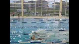 Melis ve Nejat yüzme antrenmanı (baba kız)