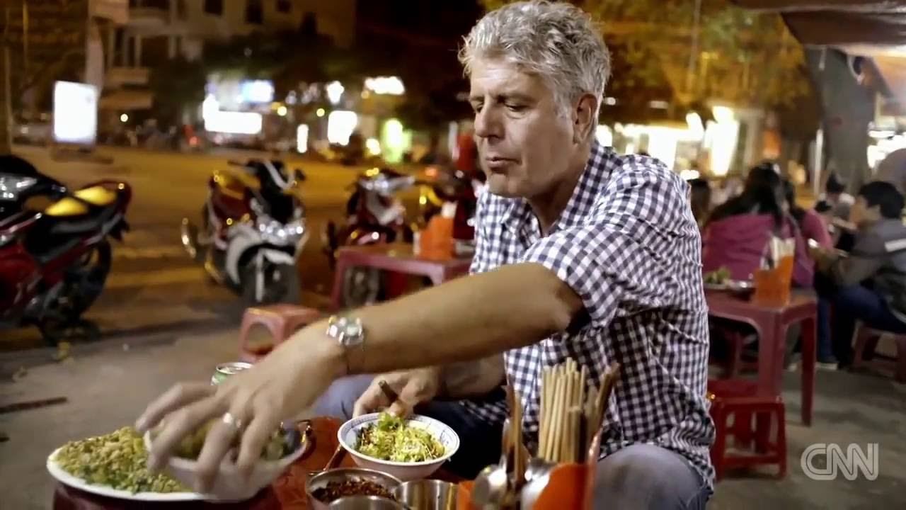 34d8224c Anthony Bourdain falls in love with Vietnam s street food Parts Unknown