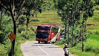 Hunting bus di jalan berkelok daerah wonogiri