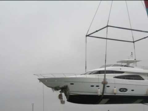 Princess 62 Yacht Crashing In Dock In L 230 S 248 Harbour Denmark Doovi