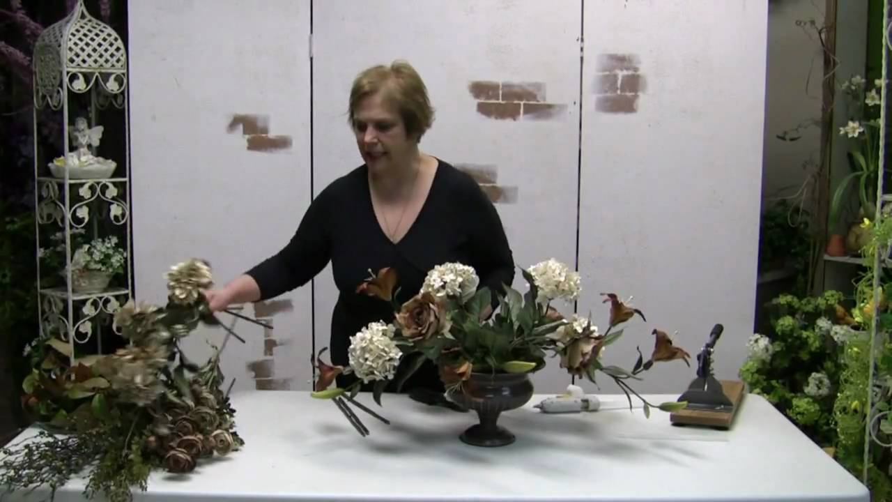 How To Make A Traditional Floral Centerpiece Arrangement With Silk