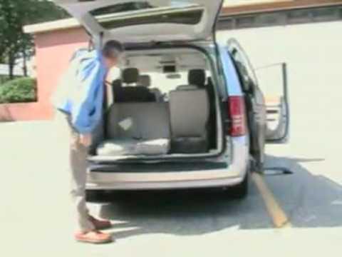 2008 Chrysler Minivan Swivel N Go Seats Demonstration