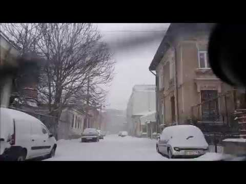 The power of Volvo V50 with TOYO SNOWPROX S954 tires against heavy snow