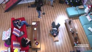 رافاييل جبور يتحدى نسيم رايسي في رقصة الـ Break Dance - ستار اكاديمي 11 - 31/12/2015