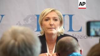 Le Pen, Wilders speak to assembled nationalists